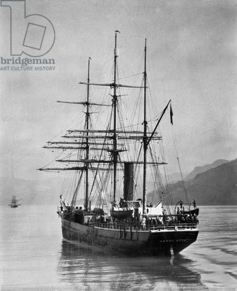 The Terra Nova sailed by Scott, in Antarctic waters, 1910 (photo)