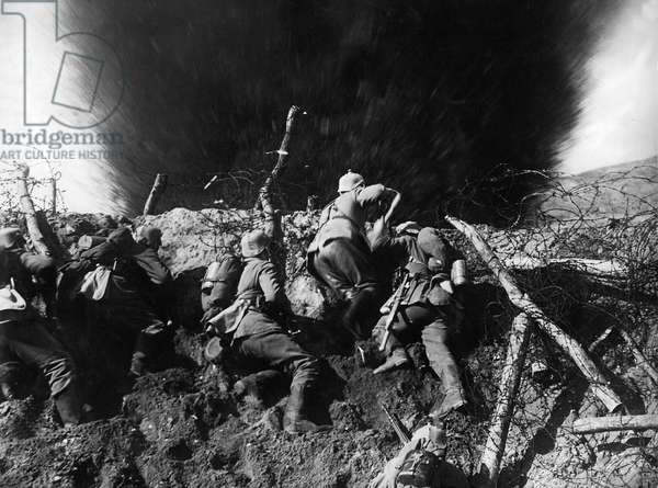 German infantrymen in a trench on the Western Front during WWI, France, 1914-16 (b/w photo)