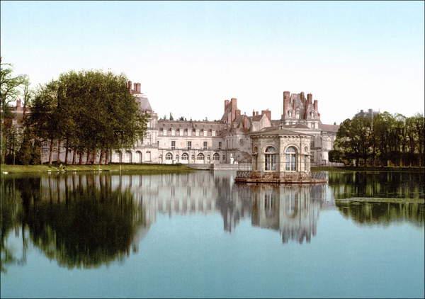 Image of The Palace of Fontainebleau, c. 1900, Unknown photographer, (20th century), Chateau de Fontainebleau, Seine-et-Marne, France, © Stefano Bianchetti / Bridgeman Images