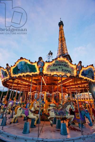 Carousel by the Eiffel Tower in the Evening, Paris, France (photo)