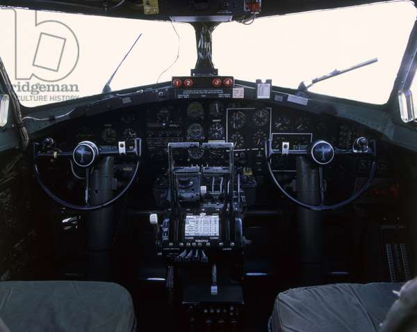 Boeing B-17G Flying Fortress, cockpit