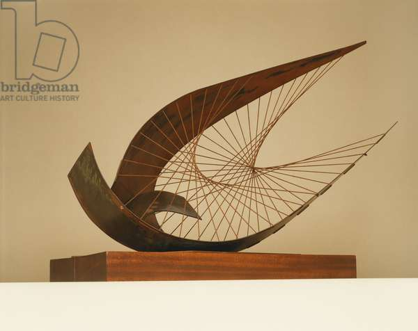 Stringed Figure (Curlew) Version I, 1956 (copper and string, mounted on wood)