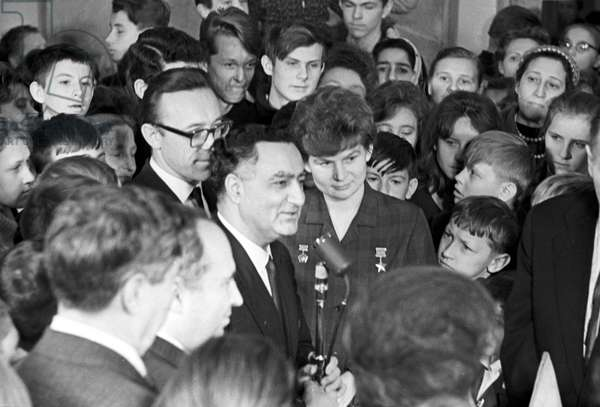 India's Ambassador to the USSR Trilok Nath Kaul and Soviet cosmonaut Valentina Tereshkova-Nikolaeva during the opening of the drawings exhibition of Kumari Yogini Parikh at the State Museum of Oriental Art in Moscow, 1965 (b/w photo)