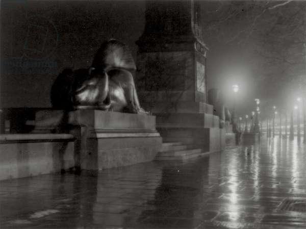 Cleopatra's Needle, Victoria Embankment, c.1930 (gelatin silver photo)