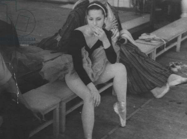 Elena Ryabinkina at rehearsal, Bolshoi Theatre, Moscow, 1970s (b/w photo)