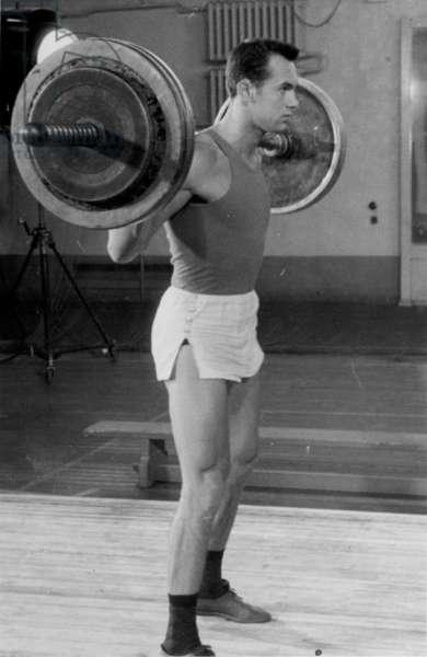 Valeriy Brumel, 1961 (b/w photo)