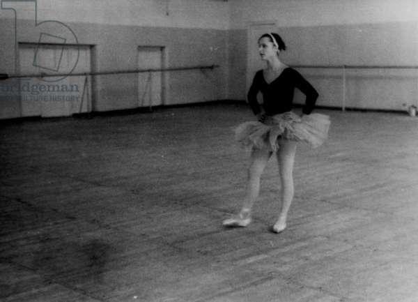 Elena Ryabinkina at rehearsal, Bolshoi Theatre, Moscow, 1970s (b/w photo)