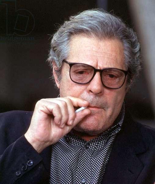Marcello Mastroianni on set of movie Verso Sera by Francesca Archibugi, Rome, 1990 (photo)