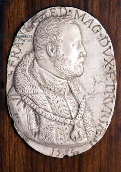 Medallion bearing the portrait of Francesco de' Medici, Duke of Florence (1541-87) (who founded a Maiolica factory in his castle of Cafaggiolo) Italian, 1585 (marble)