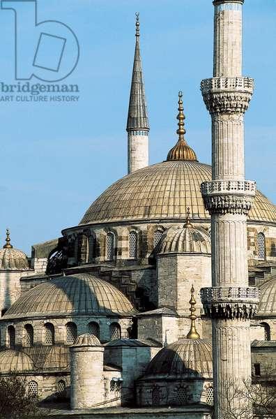 Exterior view of the Sultan Ahmet Camii (Blue Mosque) built 1609-16 (photo)
