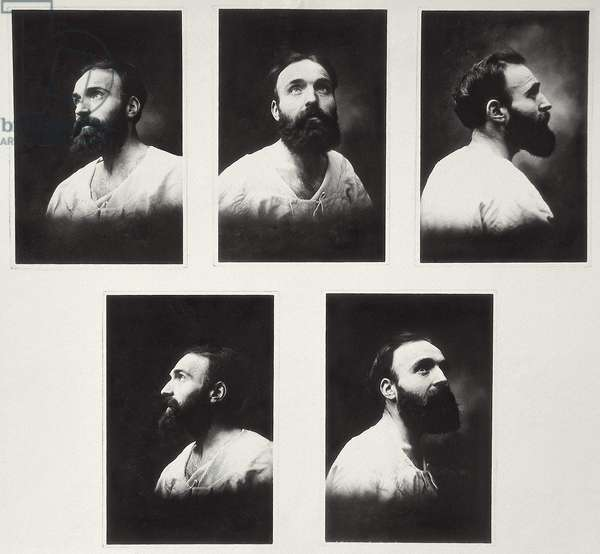 Self portraits using a multiple mirrors system (b/w photo)