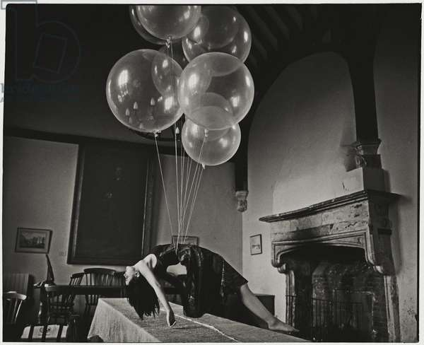 Ofelea and the Flying Balloons, 2010, (photography)