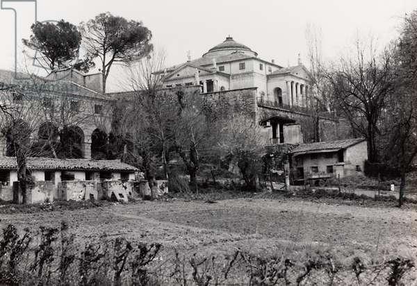Stalls and buildings for rural use at the Villa Americo-Capra, known as La Rotonda, Vicenza