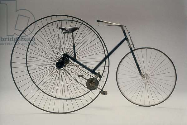 """Tricycle, Cripper model, with differential lateral gearing from 1885 kept in the Genazzini Collection of Milan and shown at the exhibition """"Man on two wheels"""""""