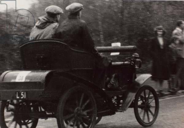 """London to Brighton Veteran Car Run 14th Novr 1948"":J.W.Mills driving a race car vintage Benz"