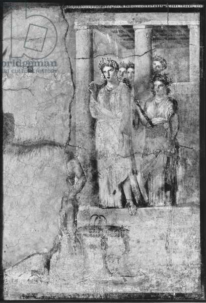 Iphigenia in Tauris, from Pompeii, c.15BC-50AD (see also detail 242788) (fresco) (b/w photo)