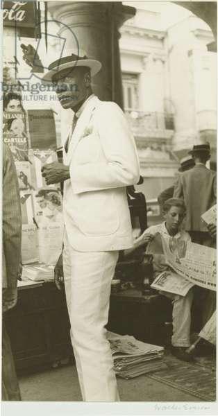 Citizen in Downtown Havana, 1933 (gelatin silver print)