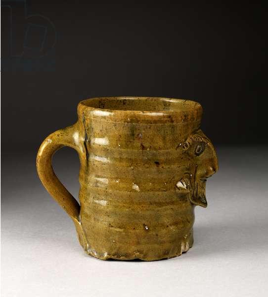 Baluster beaker, given by T.E. Lawrence (glazed earthenware) (detail of 114285)