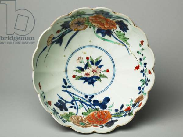 Bowl with fluted sides and a scalloped rim, ko-Imari ware, c.1770-20 (earthenware with blue underglaze and overglaze enamel) (see also 117721)