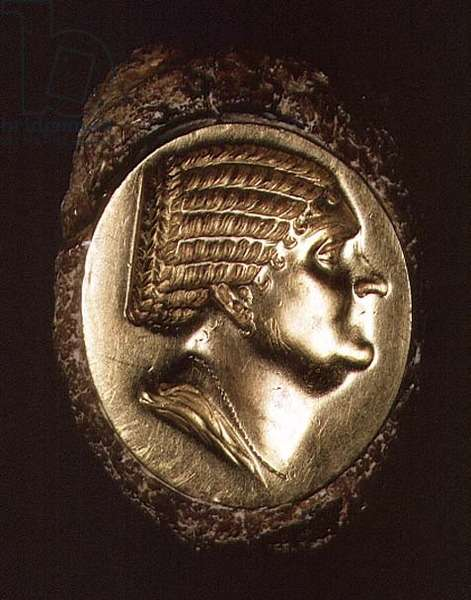 Ring depicting the profile of a woman 'Berenice', Corfu (iron and gold)