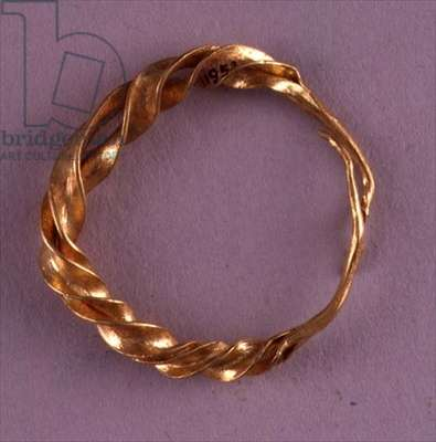 Penannular twisted earring, probably west Asia, Middle Bronze Age (gold)