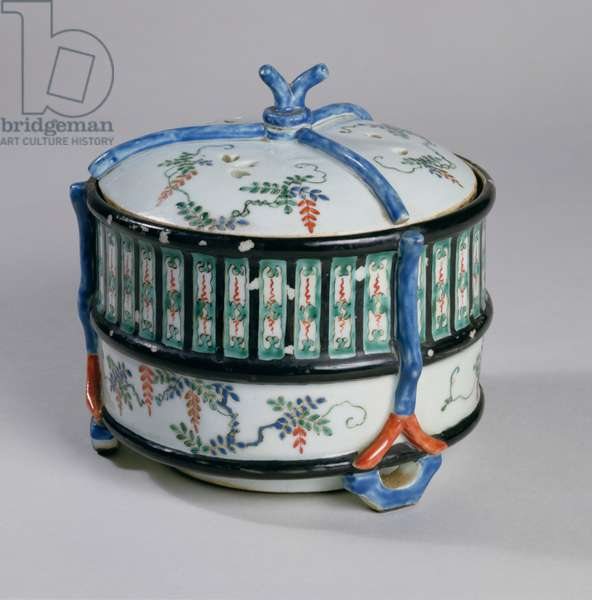 Incense Burner, late 17th century (kakiemon porcelain with overglaze enamels)