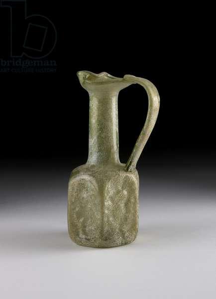 Glass juglet (glass)