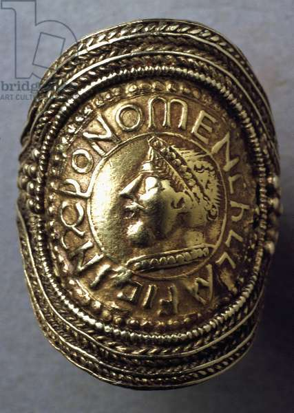 Late Saxon ring, probably c.7th century (gold) (detail of 115707)