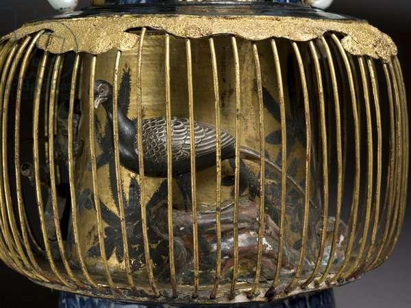 Birdcage vase, c.1720 (mixed media) (detail of 117714)