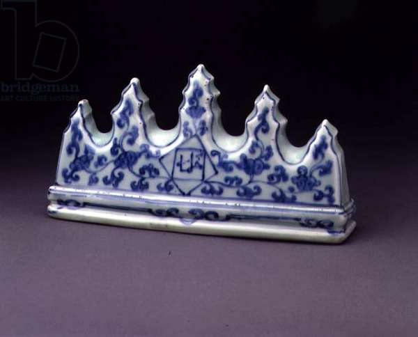 Pen rest, Ming, c.1368-1644 (porcelain with blue underglaze)