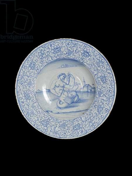 Dish with a siren, Venice, 1540 (maiolica)