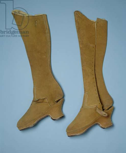 Boots believed to have belonged to Queen Elizabeth I, 16th century (leather)