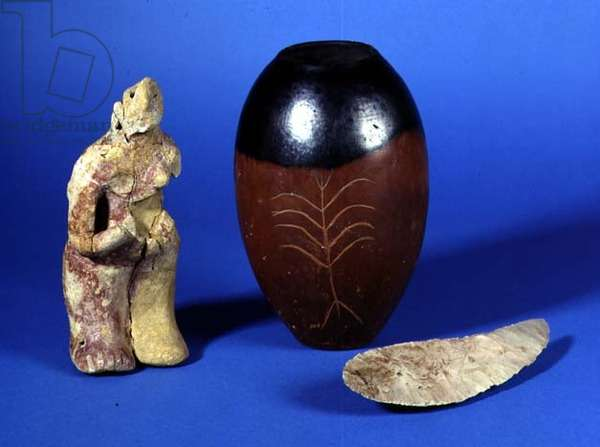 Female figure, black-topped pot and flint knife
