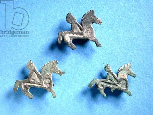 Brooches in the form of horse and riders (bronze)