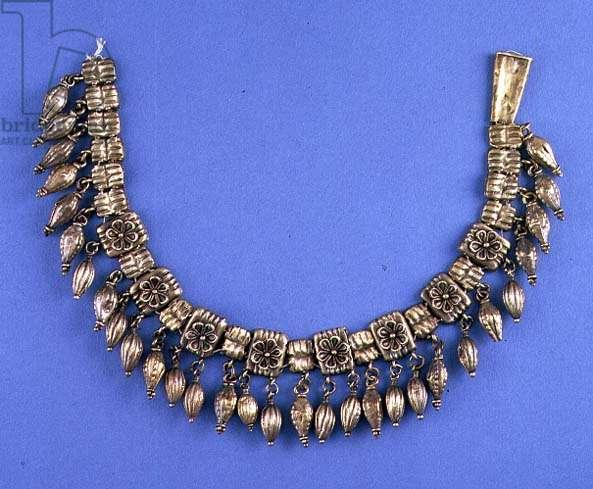 Antique necklace (gold)