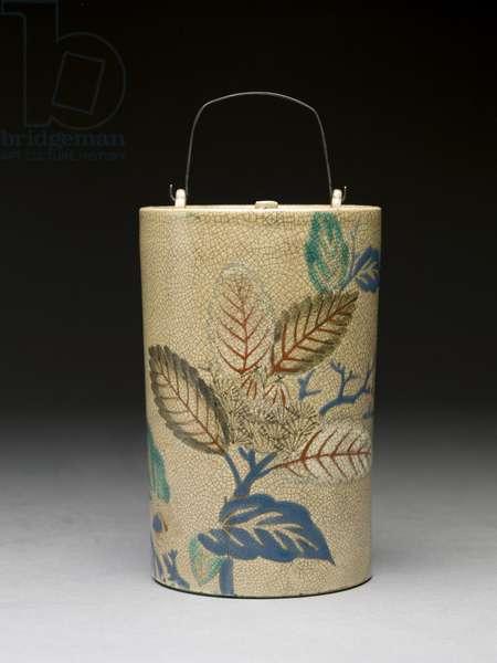 Sake bottle, 17th century (kyoto earthenware with overglaze enamels)
