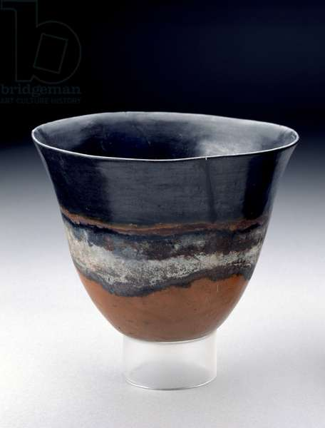 Deep bowl with bright red and black exterior separated by a white band, kerma beaker, 13th-14th Dynasties, c.1755-1640 BC (fired clay)