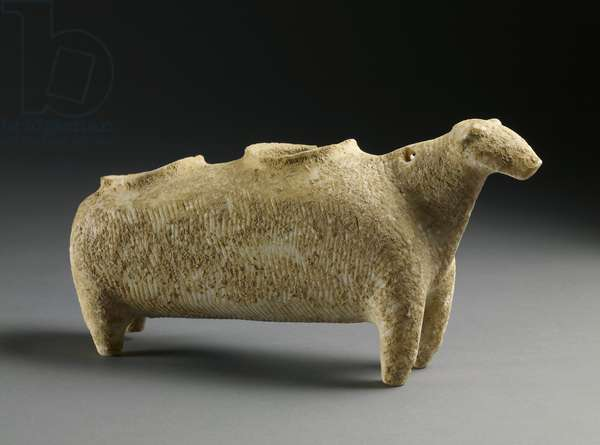 Vase in the form of a sheep, early Cycladic, c.2500 BC (earthenware)