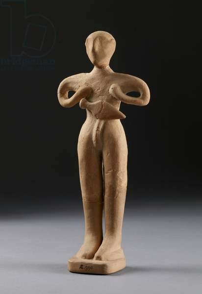 Double axehead and two figurines from Knossos, late Minoan, c.1500 BC (terracotta) (see also 133330)