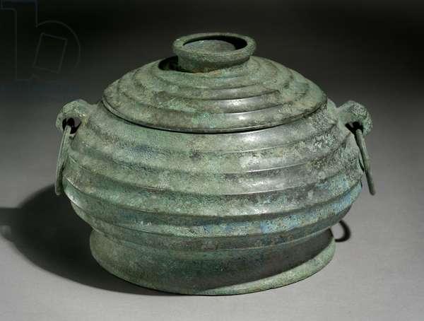 Ritual food vessel or gui (bronze)