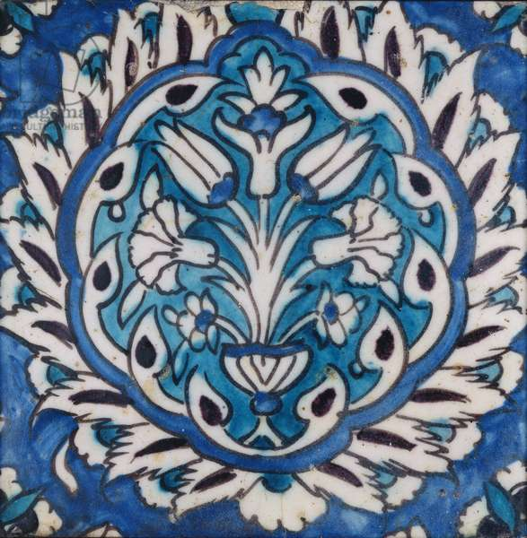 Square tile with a vase of flowers in a medallion (earthenware)