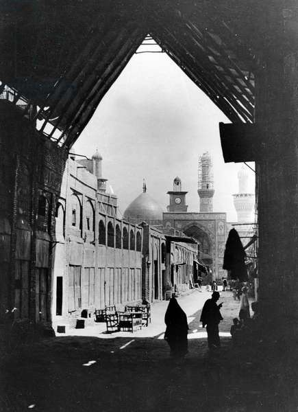 Karbala, Iraq, Official photograph taken on the British Western Front, 1917-1918 (b/w photo)