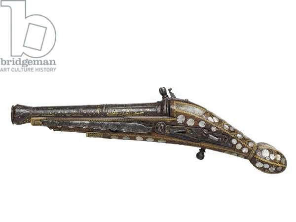 Snaphaunce pistol, c.1600 (wood & metal)