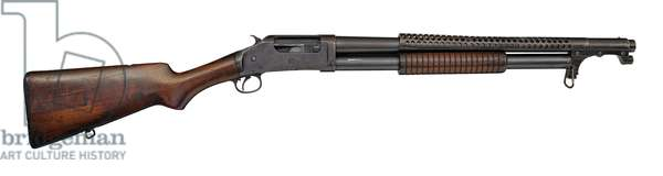 Winchester Model 1897 centrefire pump action military shotgun with model 1917 bayonet, 1921 (photo)