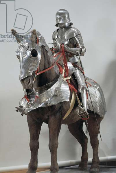 Gothic armour for man and horse (metal)