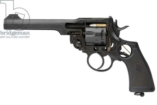 Revolver, skeletonised, 1916 (photo)