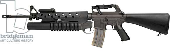 Centrefire automatic rifle with centrefire breech loading grenade launcher,  (photo)