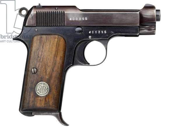 Pistol, 1931 (photo)