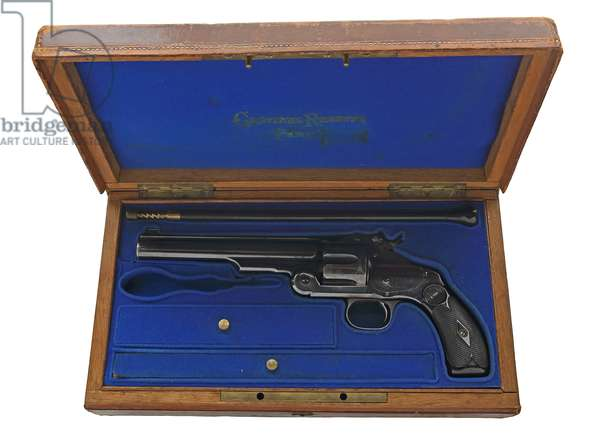 Smith and Wesson New Model No.3 centrefire six-shot revolver, c.1892 (wood & metal)