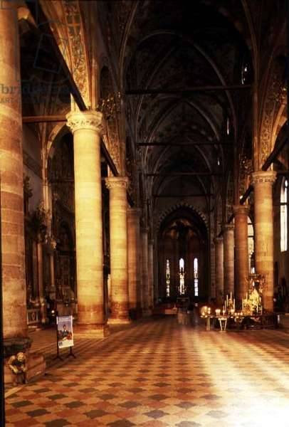 View of the main aisle, 13th century (photo)